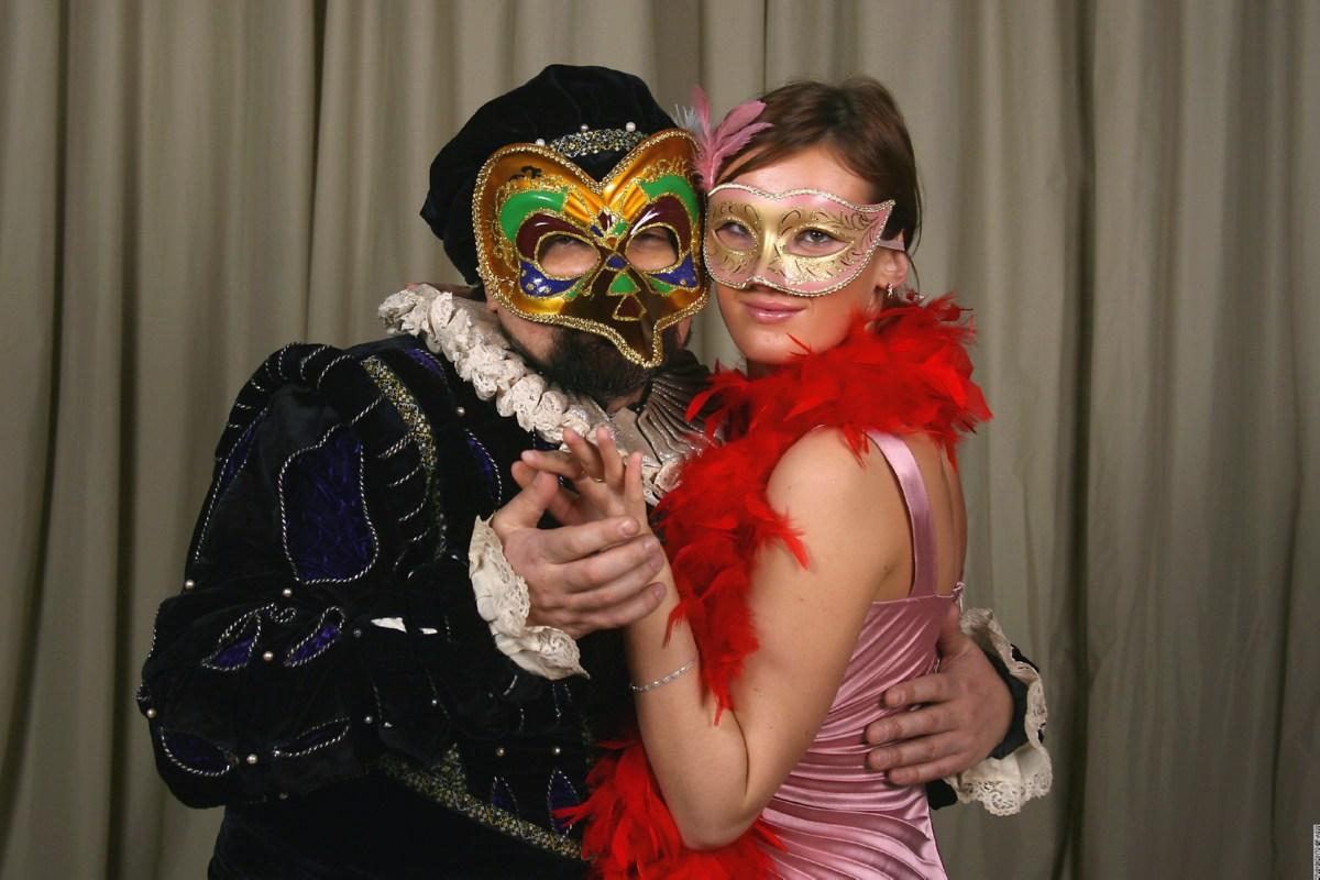 Идеи карнавальных костюмов для взрослых 2019 года